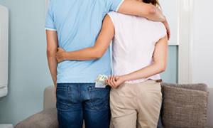 Супруг оформляет кредиты без согласия жены, правомерно ли это?
