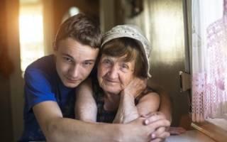 Как бабушке оформить квартиру на внучку?